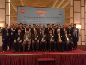 "Meeting of Robert Lorenz (PhD) with the Heads of ASEAN Power Utilities/Authorities (HAPUA) during the Regional Focused Group Discussion (FGD) about ""Variable Renewable Energies Grid Integration"" in Danang, Vietnam."